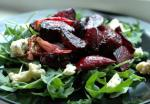 American Warm Roasted Beet Salad With Spinach and Blue Cheese Appetizer