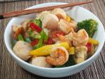 Saucy Seafood Stirfry En recipe