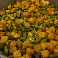 Pakistani Potatoes and Beans Appetizer