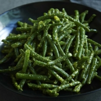 American Green Beans With Pistachio Pesto Appetizer