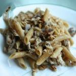 American Pasta with Chicken and Walnuts Dinner