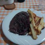 American Rump Steak with Red Wine and Shallots Drink