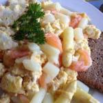 American Asparagus with Smoked Salmon and Scrambled Eggs Appetizer