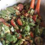 American Salad with a Spicy Chick Peas Appetizer