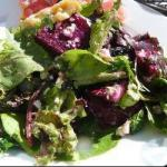American Field Salad with Beetroot and Walnuts Appetizer