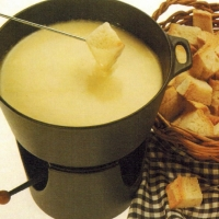 American Cheese Fondue 1 Appetizer