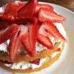 American Whipped Cream Pie with Strawberries Dessert
