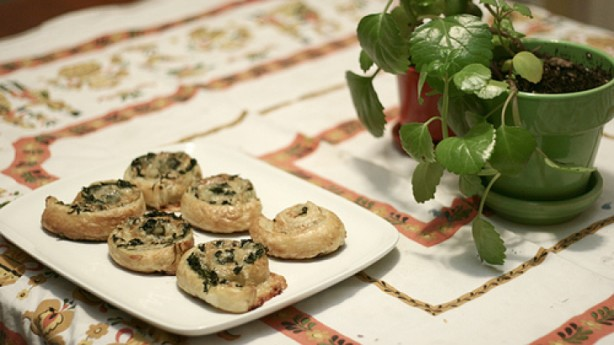 American Spinach Gruyere Puff Pastry Appetizer