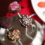 American Cake Pops of Red Velvet pallets of Cake Dessert