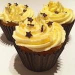 American Butter Cream Frosting with White Chocolate Dessert