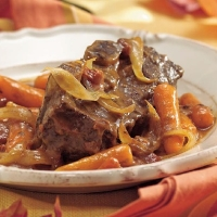 Canadian Oven-Braised Beef Short Ribs Dinner