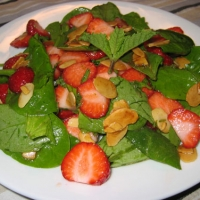 American Spinach and Strawberry Salad Appetizer
