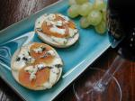 American Saga Blue and Apricot Pizzettes Dinner