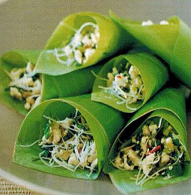 Chinese Chicken Noodle Lars In Banana Leaf Cones Appetizer