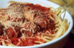 American Linguine With Marinara Sauce and Meatballs Appetizer