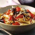 American Penne to Fresh Tomatoes and Aubergines Roasted BBQ Grill