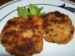 American Salmon Cakes With Lemon  Herb Mayonnaise Appetizer