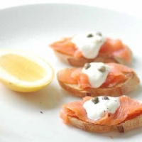 Swedish Crostini with Smoked Salmon and Sour Cream Appetizer