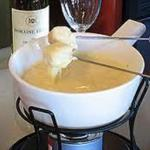 American Appetizer - Cheese Fondue Appetizer