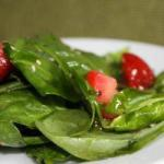 Canadian Spinach Salad with Strawberries 5 Appetizer