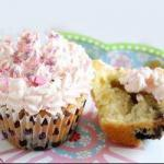 American Blueberry Cupcakes with White Chocolate Dessert