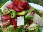 Canadian Strawberry Almond Spinach Salad Appetizer