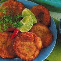 American Crab Cakes With Avocado Salsa Appetizer