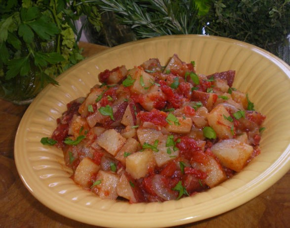Portuguese Portuguese Style Redskin Potato Salad With Tomatoes and Garlic Appetizer