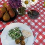 Israeli/Jewish Falafel with Spinach Appetizer
