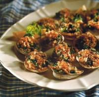 American Baked Spinach-stuffed Clams Dinner