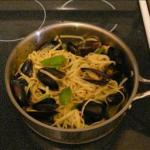 American Fettucini with Mussels in a White Wine and Basil Oil Sauce Alcohol
