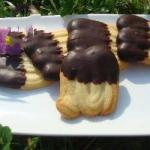 French French Shortbread with Chocolate Casting pointed Dessert