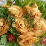American Chips in the Form of Roses Appetizer
