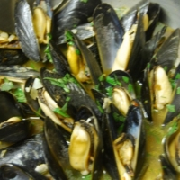 American Fragrant Mussels Appetizer