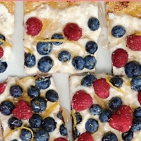 American Berry Pizza Dessert